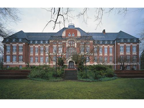 Höhere Töchterschule in Schleswig, Michaeles Allee 1
