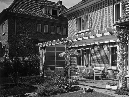 Wohnhäuser Erk und Macht in Kiel, Bismarckallee 25c/Roonstraße